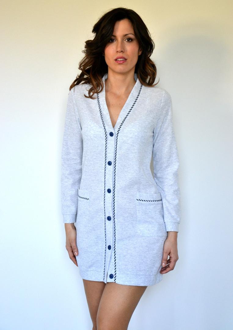 Короткий халат на пуговицах B&B