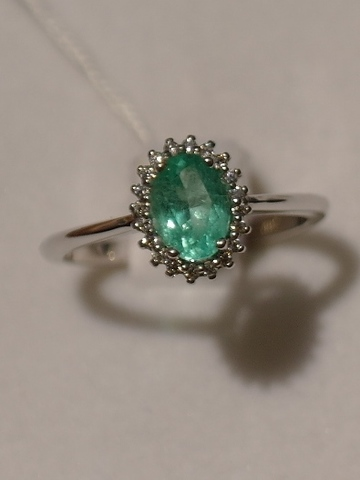 Изумруд (кольцо из серебра)