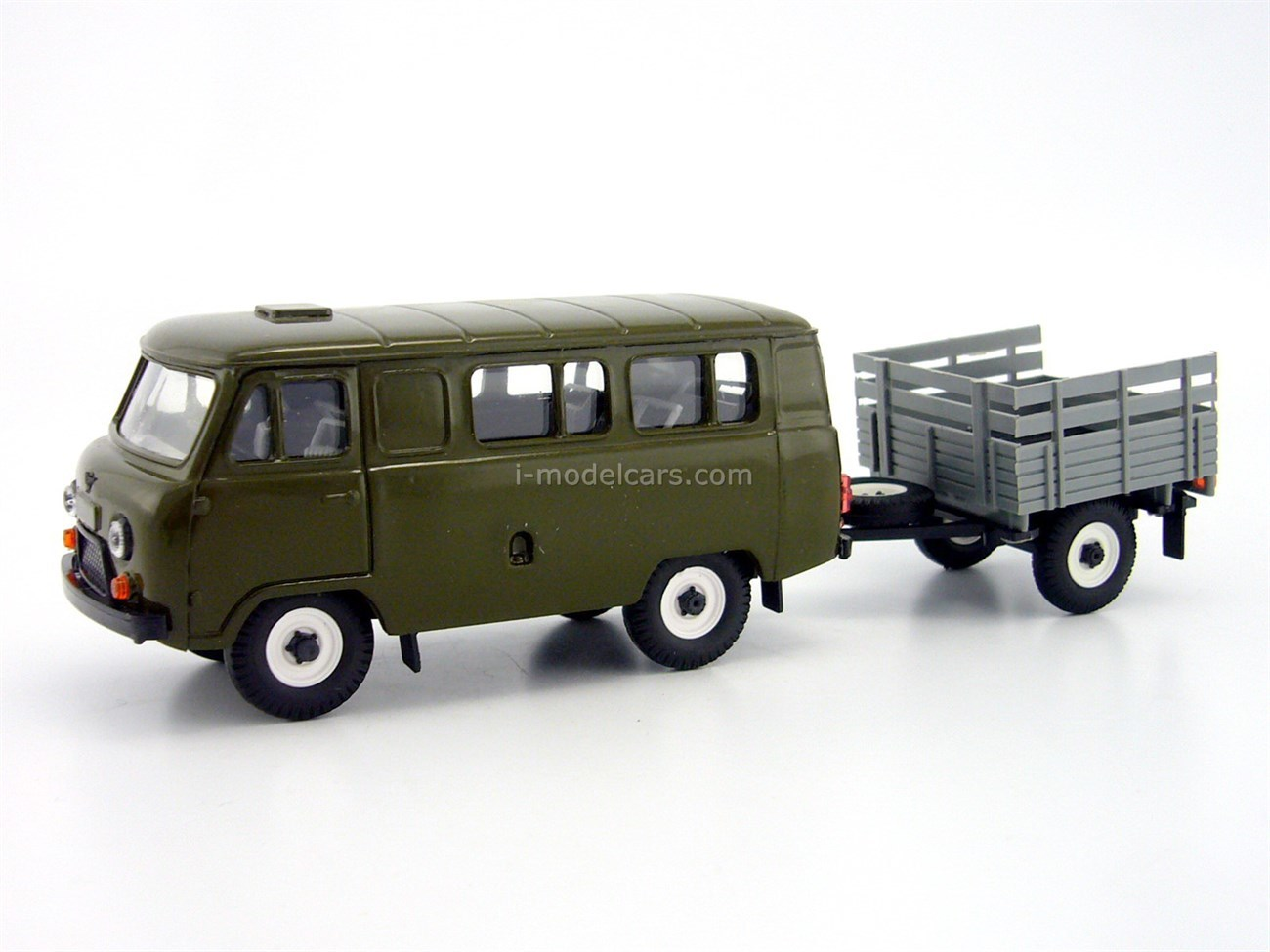 UAZ-3962 plastic painted khaki with agricultural trailer 1:43 Agat Mossar Tantal
