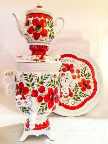 Самовар электрический трехлитровый в наборе с подносом и чайником с художественной росписью «Красные цветы на белом»