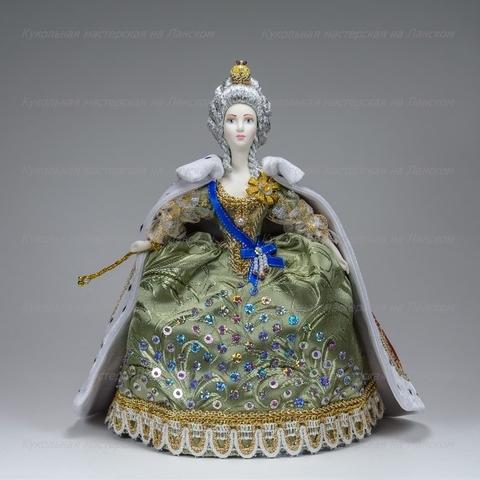 Кукла в костюме императрицы Екатерины II