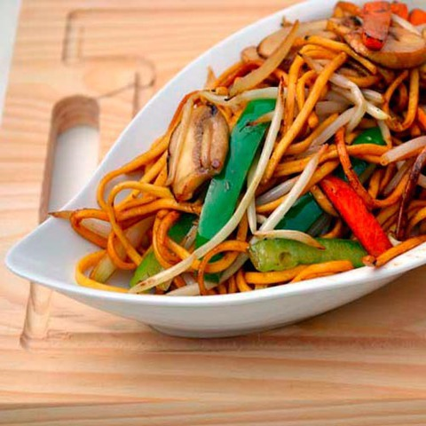 https://static-eu.insales.ru/images/products/1/2731/35408555/vegetable_chow_mein.jpg