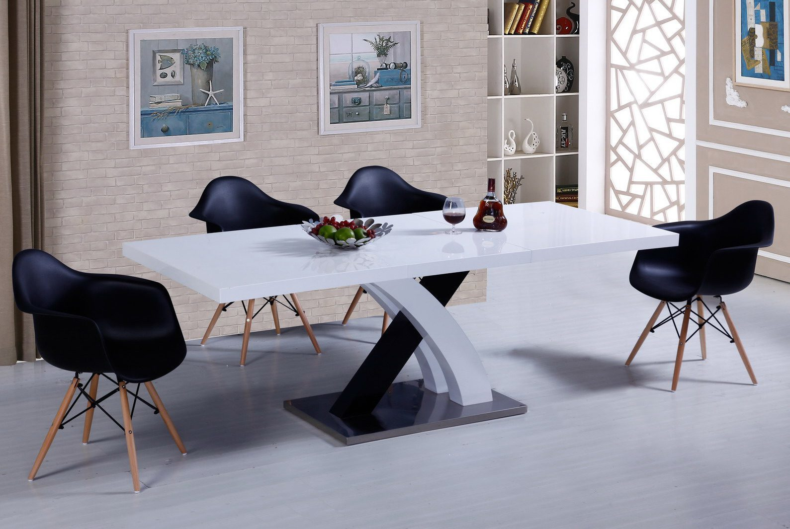 Стол ESF LT75 белый, стулья ESF 982 черный