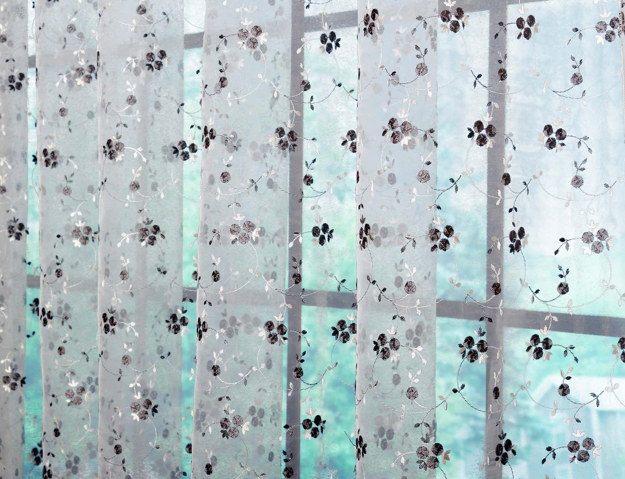 Готовая штора. Органза с черно-белой вышивкой (Бондик)