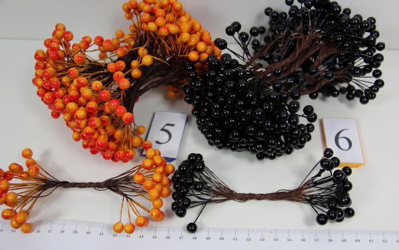 Пучок ягодок 0,8 см. (40-50 шт)