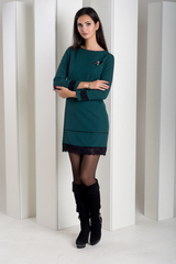 Шарлота. Красивое платье с кружевом. Зеленый