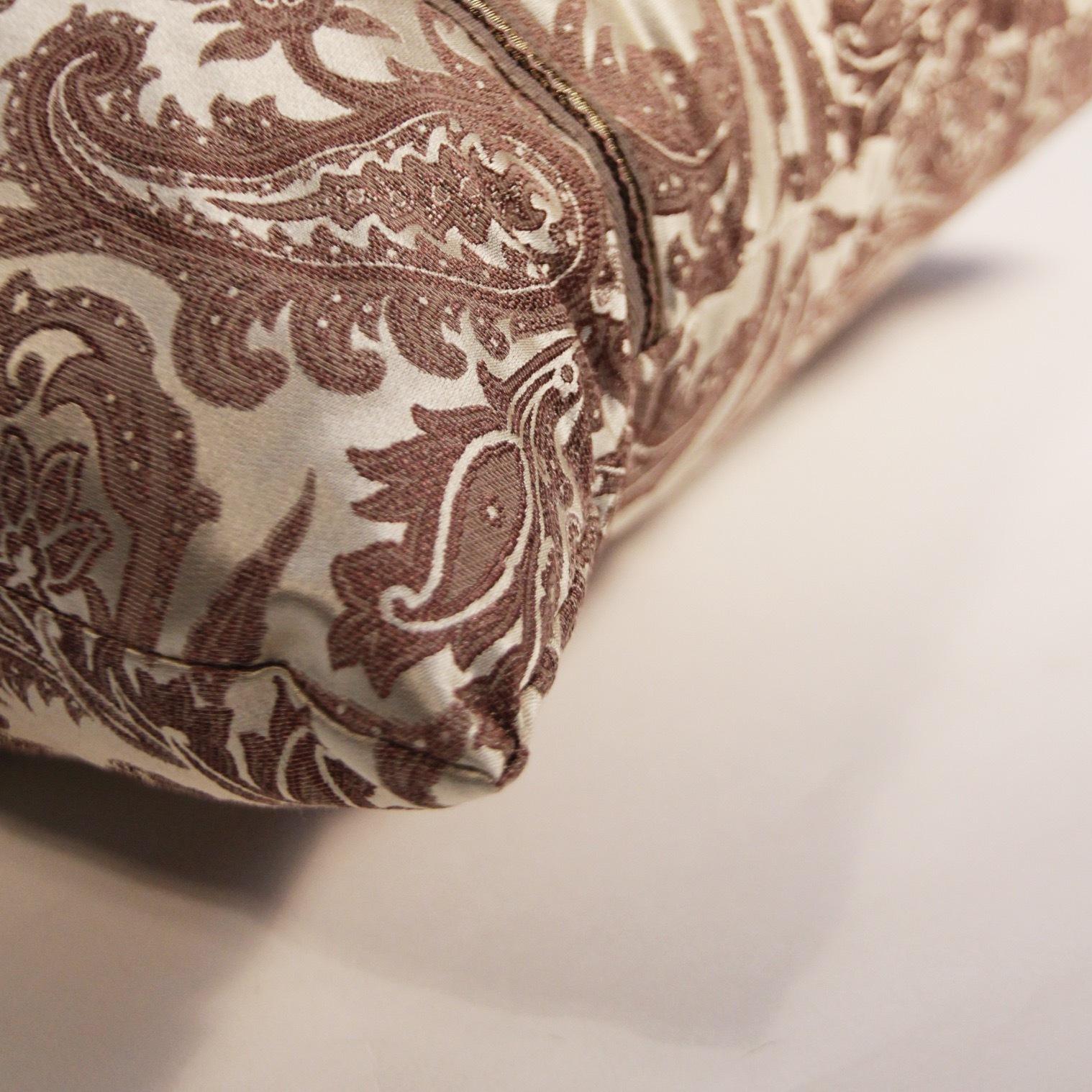 Подушка из атласа ETRO