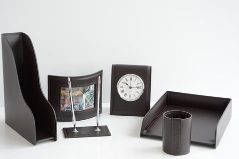 Набор из кожи на стол руководителя арт.9032/85 6 предметов с часами.