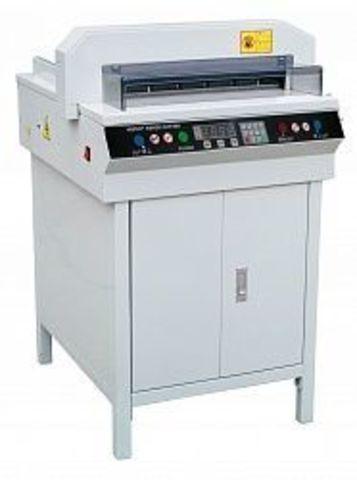 Гильотинный резак Grafalex 450VSplus (450vs+) - электрический, длина реза 450 мм, высота стопы 450 листов.