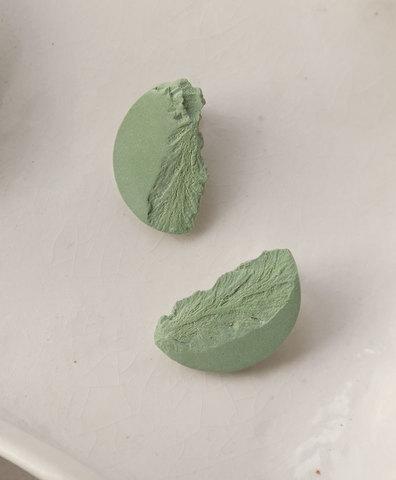 Серьги CURVAS GREEN
