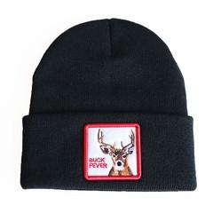 Вязаная шапка с принтом (эмблемой) Оленя черная
