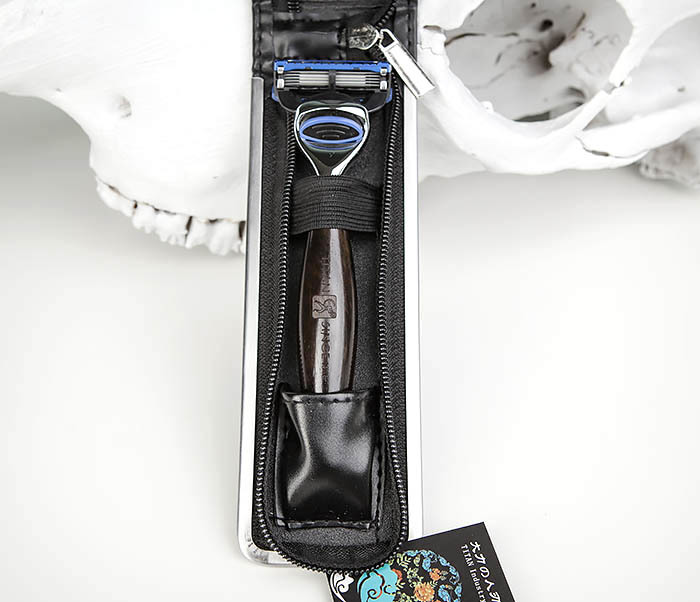 RAZ443-1 Подарочная бритва TITAN для лезвий GILLETTE FUSION фото 02