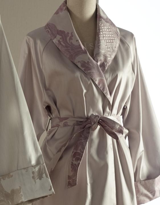 Одежда для дома Халат сатиновый Curt Bauer Louis XIV elitnyy-halat-satinovyy-louis-xiv-rozovato-lilovyy-ot-curt-bauer-germaniya.jpg