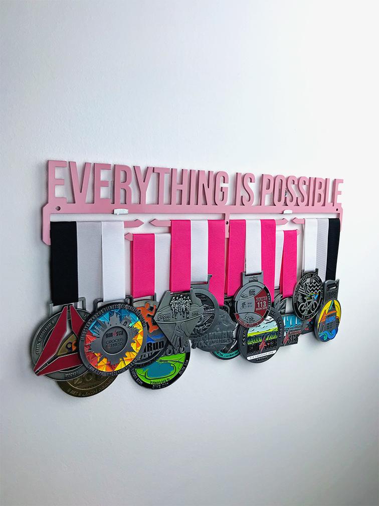 Медальница Everything is possible (розовый)