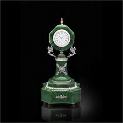 Часы настольные из нефрита. Реплика К.Фаберже.