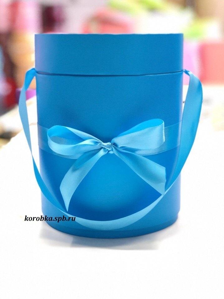 Шляпная коробка D 16 см .Цвет: ярко голубой . Розница 350 рублей.
