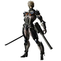 Revengeance Play Arts Kai - Raiden