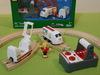 33510 BRIO Радиоуправляемый пассажирский поезд с вагоном и пассажиром со световыми и звуковыми эффектами