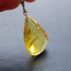 подвеска из лимонного янтаря