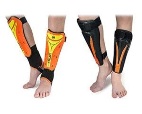 Купить щитки на ноги для футболистов