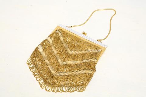 Золотая вечерняя сумочка вручную расшитая бисером