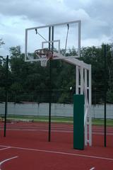 Стойка Г-образная баскетбольная уличная стационарная, вынос 225 см. (щит 1800х1050мм. оргстекло 10мм, амортизационное кольцо, сетка).
