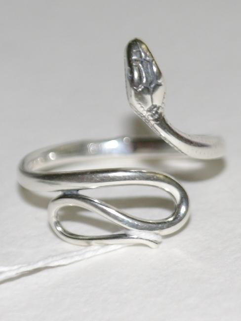 Змея Ц (кольцо из серебра)