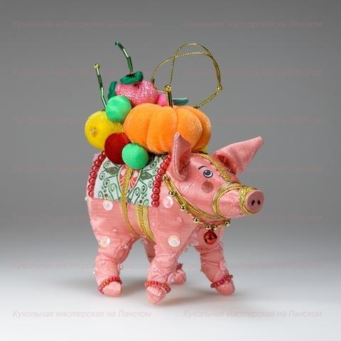 Свинка с фруктами (бисерная)