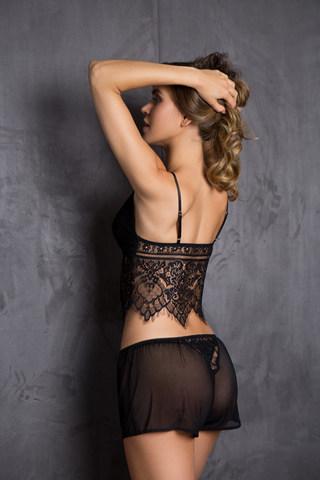 Домашний комплект женский из топа и шорт черного цвета