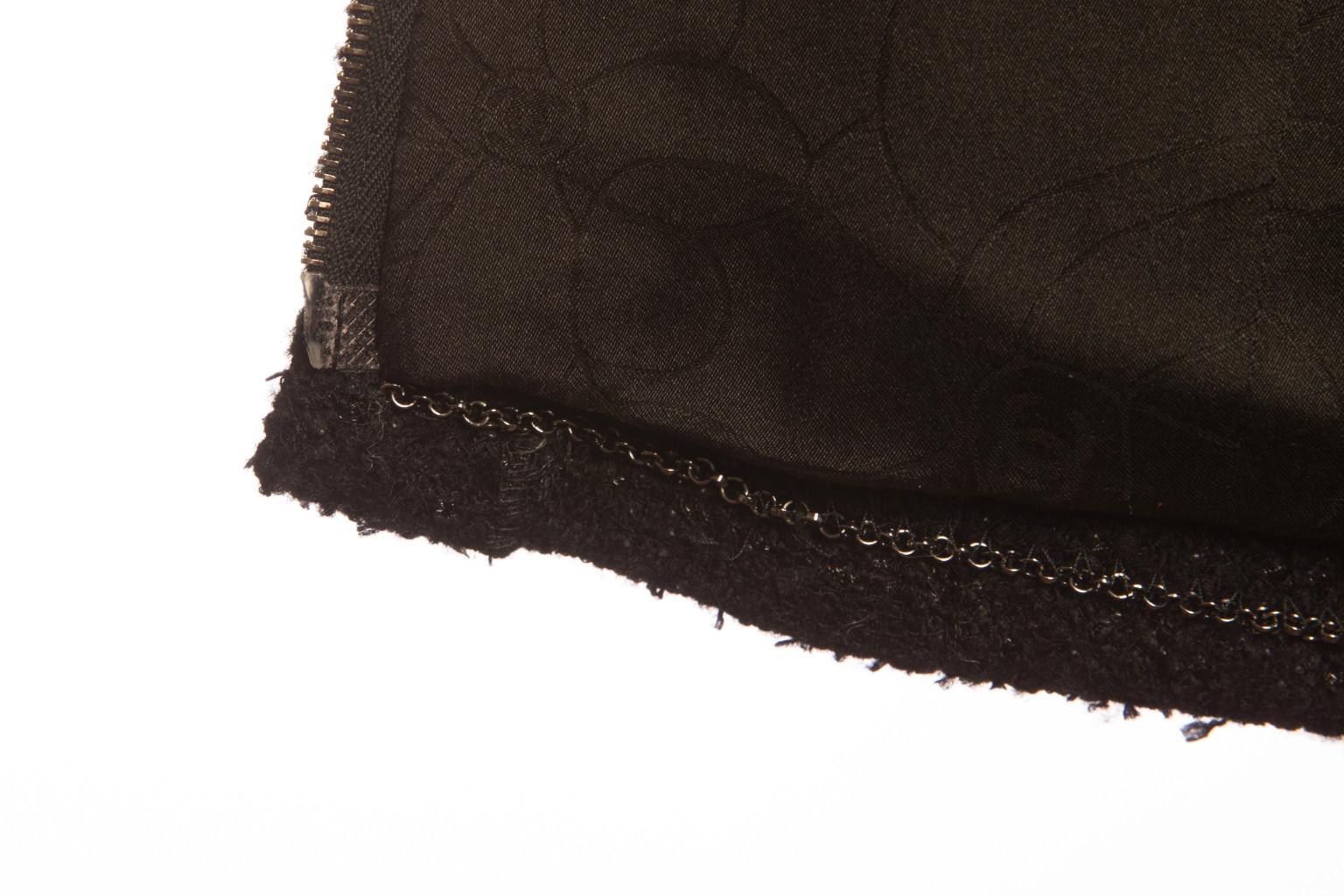 Стильный жакет из черного твида от Chanel, 36 размер