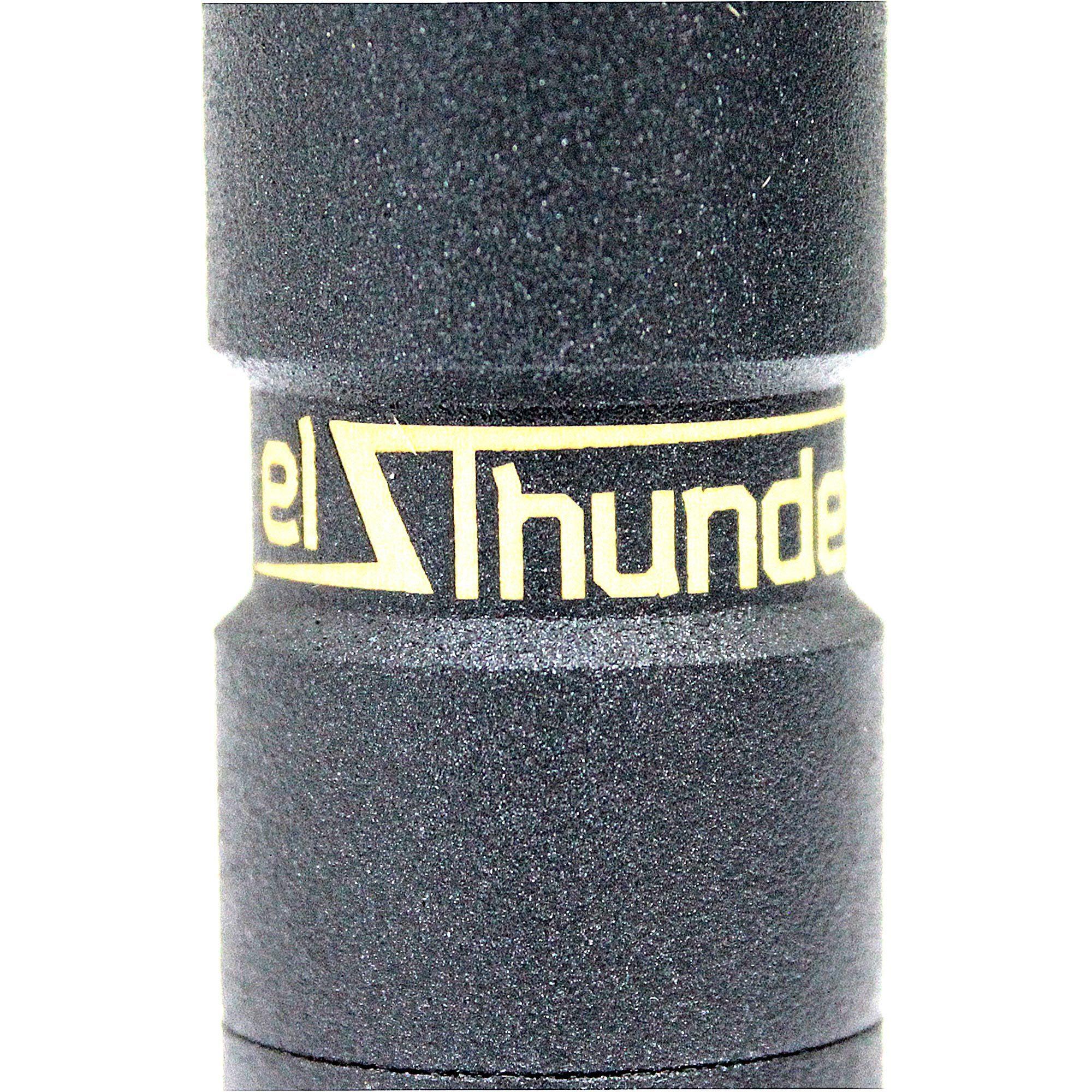 Мехмод El Thunder близко