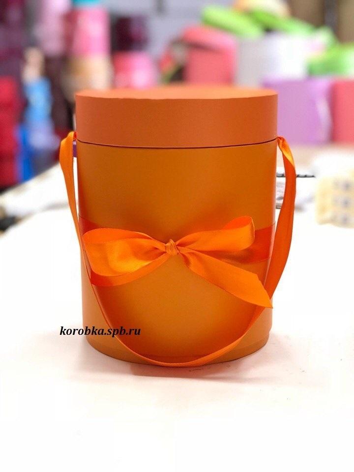 Шляпная коробка D 20 см Цвет: оранжевый . Розница 390 рублей .
