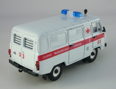 UAZ-3741 Ambulance 1:43 Agat Mossar Tantal