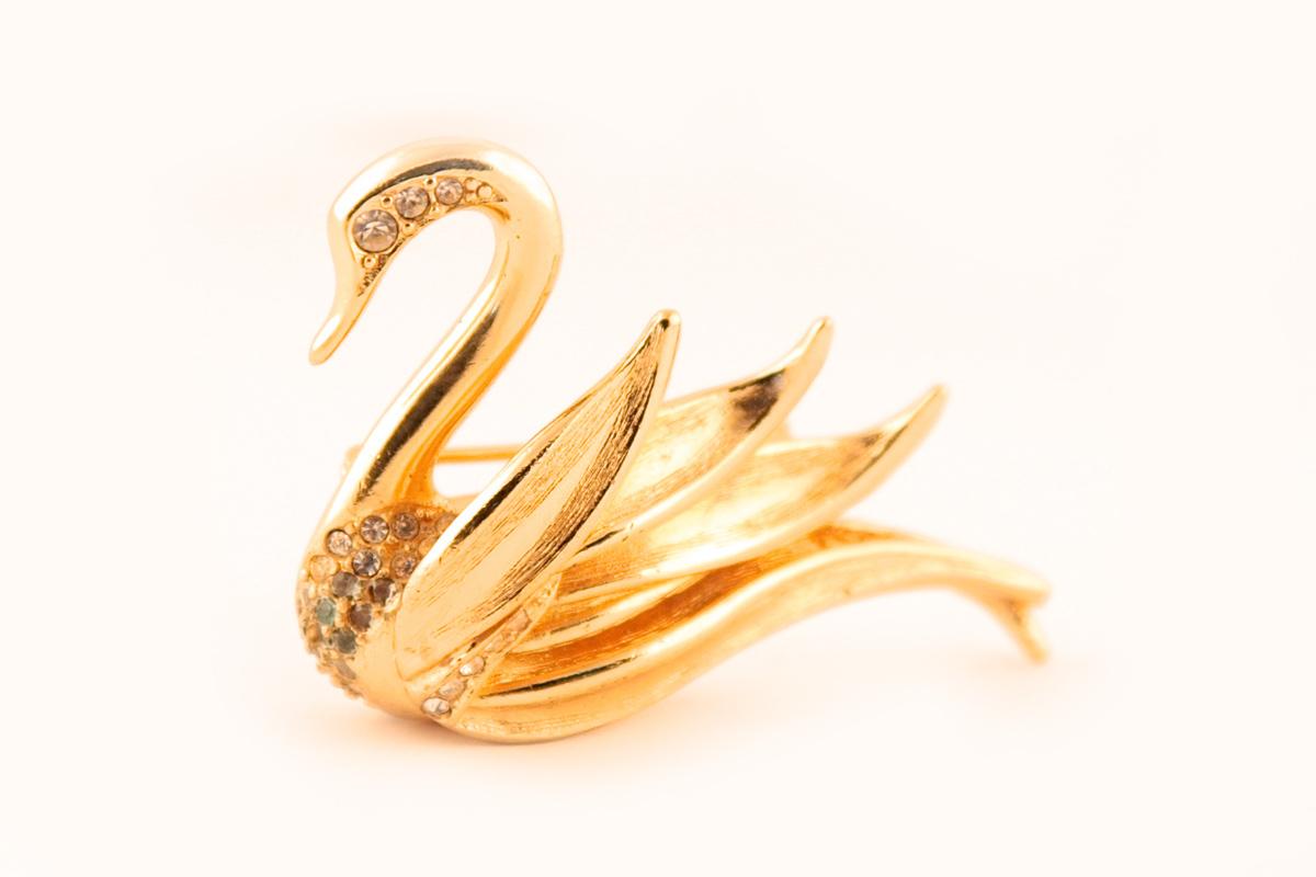 """Изысканная брошь """"Лебедь"""" от Dior"""