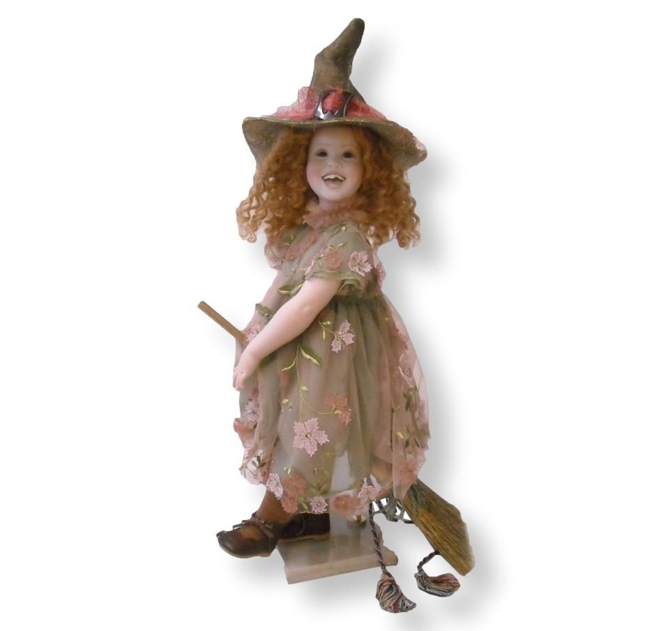 Кукла фарфоровая коллекционная Marigio Фуксия