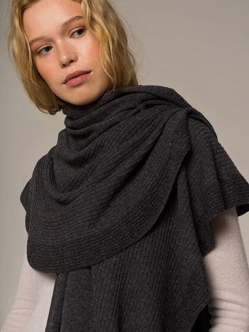 Женский шарф цвета серый меланж из шерсти и кашемира - фото 4