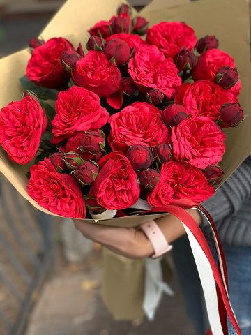 Букет из 11 пионовидных роз Red Piano