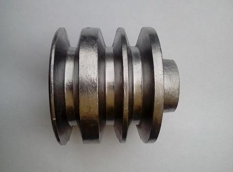 Шкив трехручейковый для двигателя под круглый вал 20мм.
