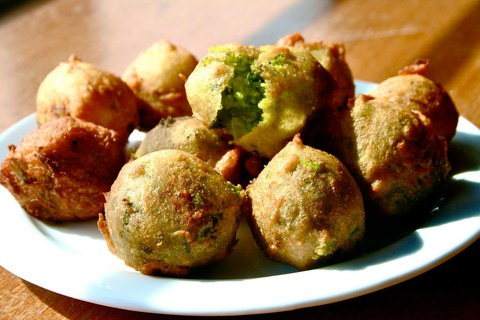 https://static-eu.insales.ru/images/products/1/2891/13069131/Batata_Vada.jpg