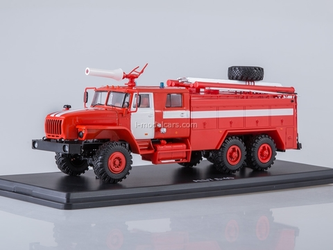 Ural-4320 AC-7,5-40 with white stripes 1:43 Start Scale Models (SSM)