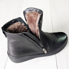 Зимние ботинки на двух замках