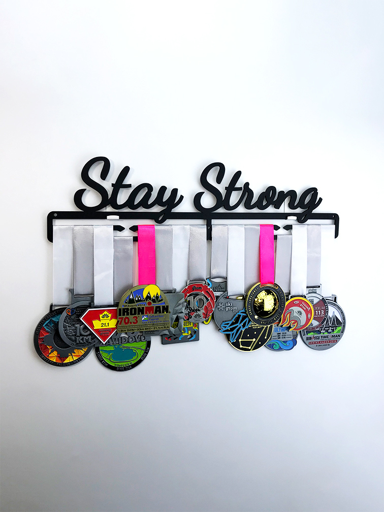 Медальница Stay Strong (черный)