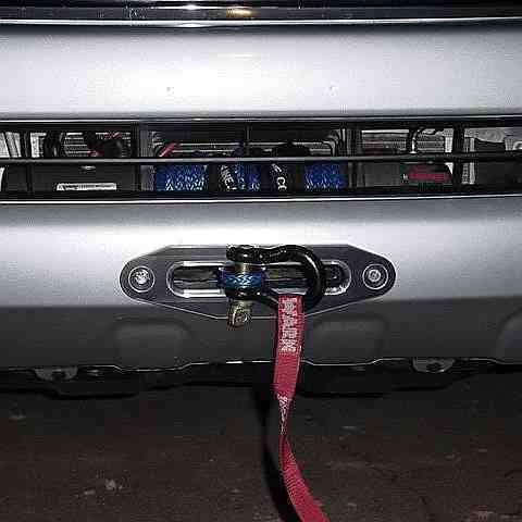 Установка лебедки Mitsubishi L200 в штатный бампер фото-1