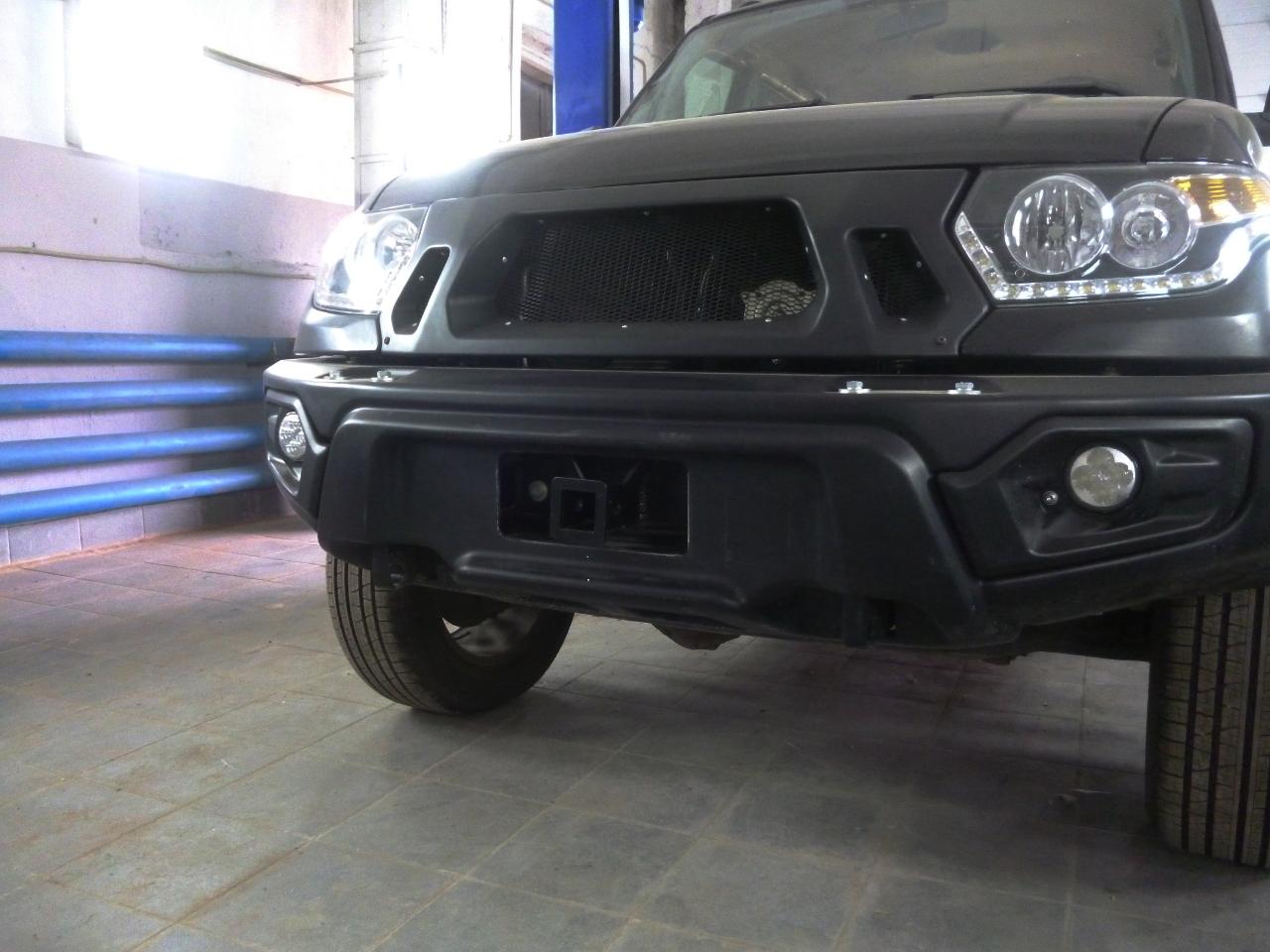 Композитный передний бампер УАЗ Патриот, Пикап, Карго с фарами белый АВС-Дизайн фото-1