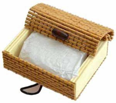 Минеральный квасцовый дезодорант «Кристалл свежест軶(Ромб в бамбуковой коробке, 65-70 г, плавл.чист. )