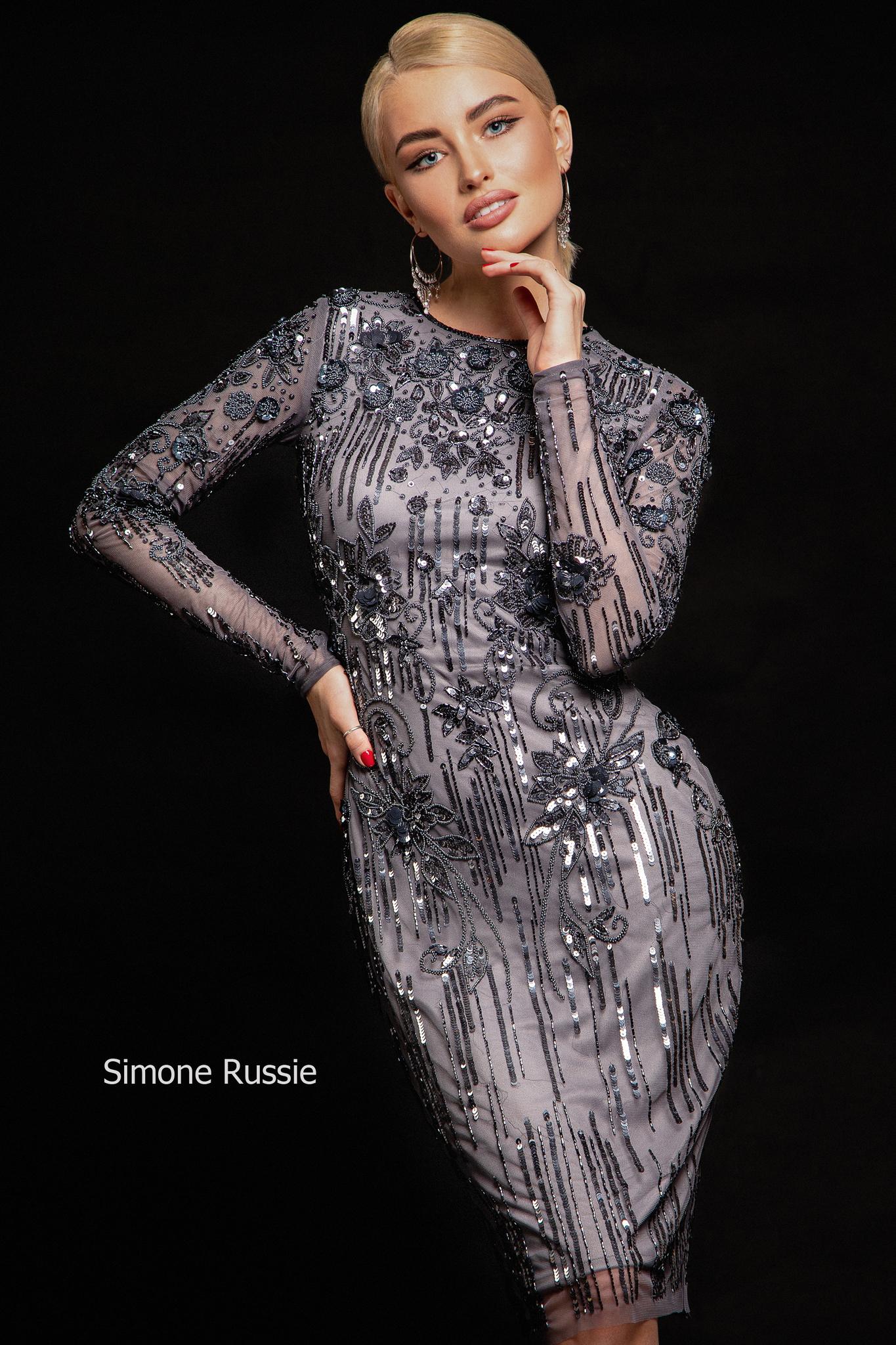 Simone Russie SR1941 Силуэтное платье средней длины с объемными цветами