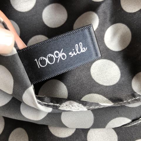 Платок из шелка Коко 70*70 см, черный в белый горошек