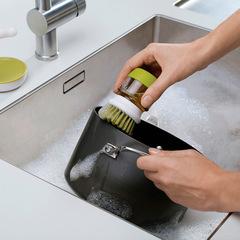 Щетка с дозатором для моющего средства