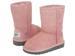/collection/kids-classic-short/product/ugg-kids-classic-pink