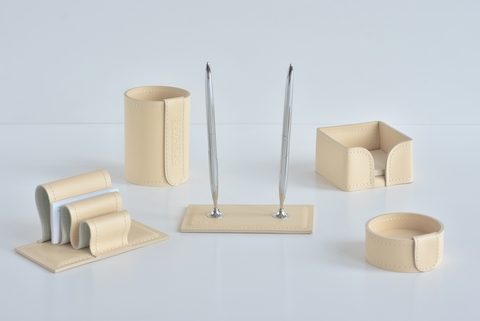 Настольный набор 5 предметов из кожи цвет слоновая кость